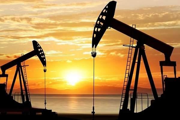 Precios del petróleo WTI y Brent caen casi 2%