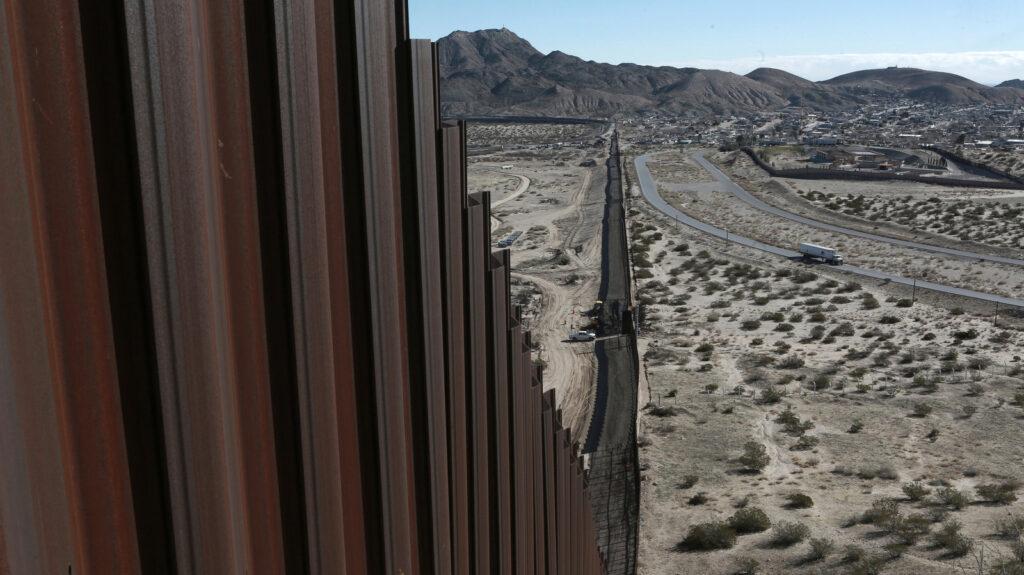 Biden cancela el muro fronterizo en su primer día