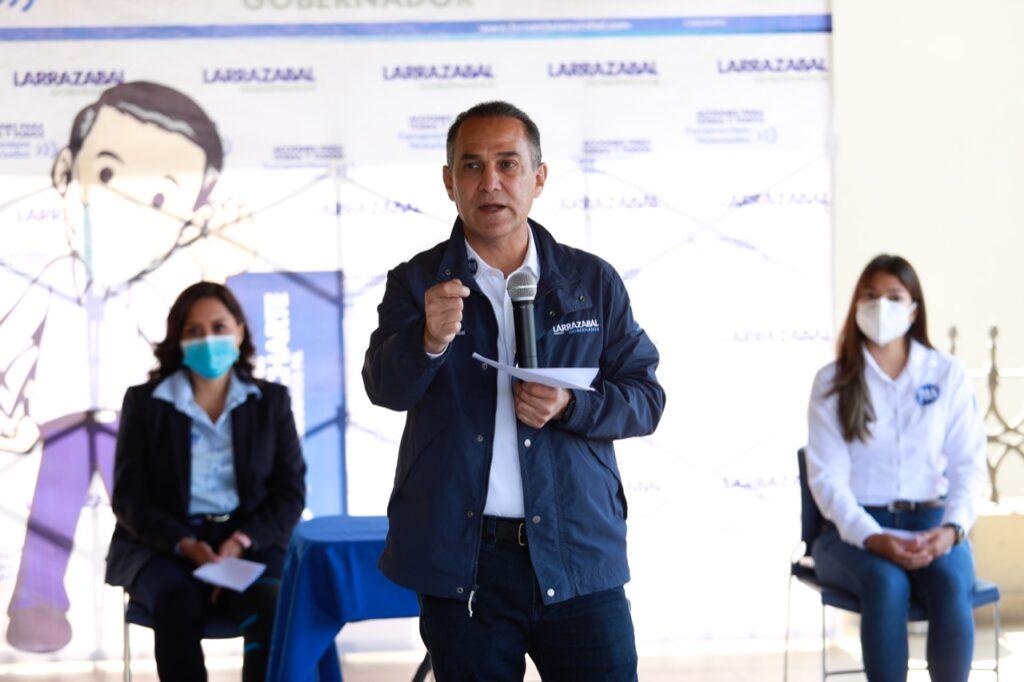 Fernando Larrazábal Bretón es señalado por legisladores dada su responsabilidad en el caso Casino Royale de 2011.